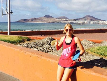 Felicia im Surf Office auf Gran Canaria