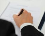 Freelancer schreibt einen Businessplan