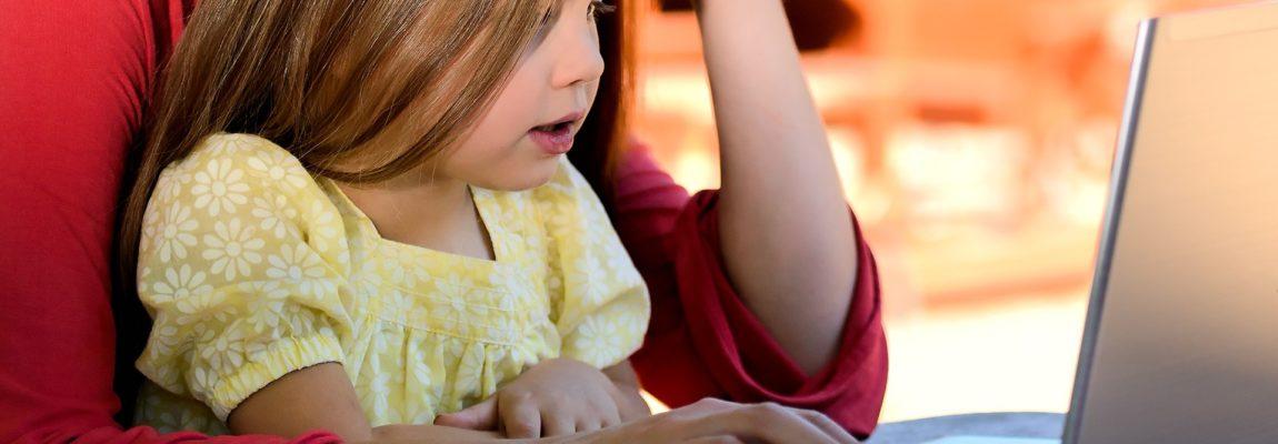 Freelancing und Kinder unter einen Hut bringen: Mit diesen 5 Tipps klappt's