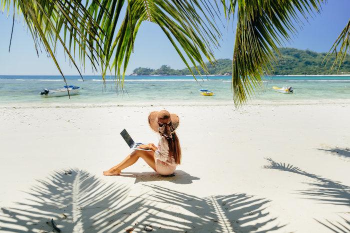 Virtuelle Assistenz am Strand