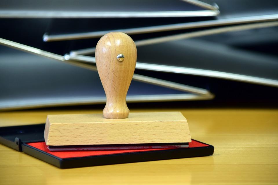 Stempel sind noch heute im Office für die Dokumentenbearbeitung wichtiges Hilfsmittel.