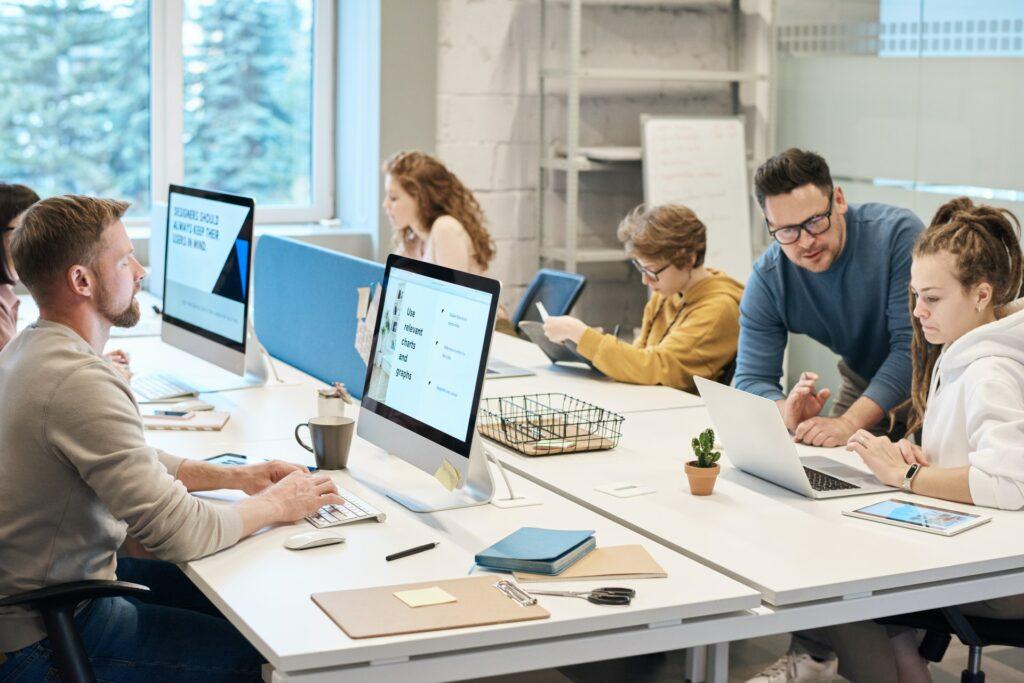 Process Optimizer redet mit Mitarbeitern